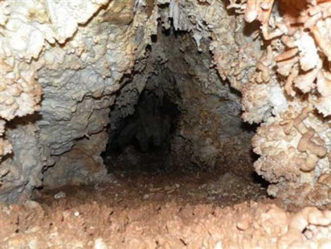 غار خاصه تراش (آب بید)