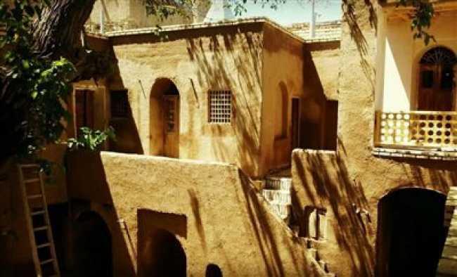 خانه ی تاریخی توسلیان (اقامتگاه سنتی)